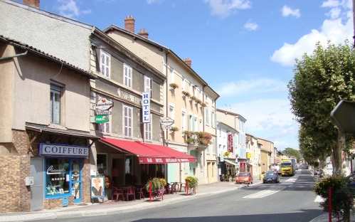 Downtown Ampuis, Population 2,000